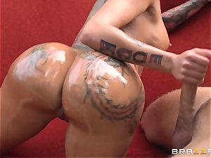 tattooed diva Bella Bellz buttfuck by the pool