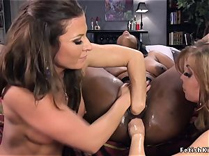 ebony girl/girl 3some dp fisted