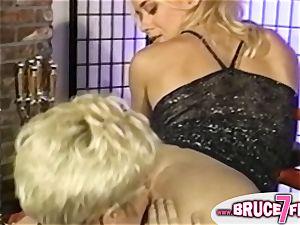huge-titted nineties lesbos