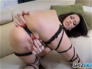 wild Jessica Jaymes slips a fake penis in her moist minge