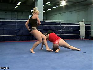 Aagell Summers and Kathia Nobili struggle in the ring