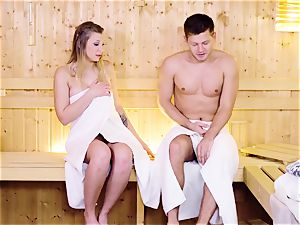 RELAXXXED - Sauna bang with Serbian light-haired Vyvan Hill