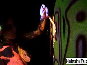 huge-chested Natasha Shoots A fun And wondrous black Light vid