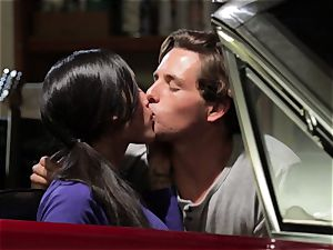 Chloe Amour humps in her boyfriends new car