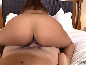 scorching Latina amateur milf very first timer