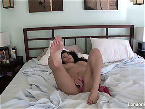 chesty London's home movie masturbation