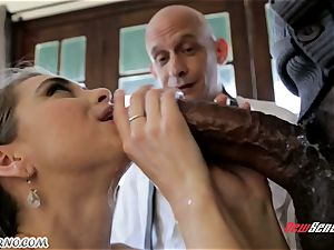 daddy looks like his daughter Riley Reid becomes an adult and gets splattering