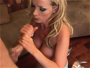 gassy Nikki Benz salivates on this mouth-watering lolly trunk
