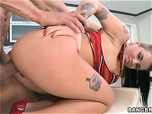 insatiable Christy Mack pounded in the kitchen