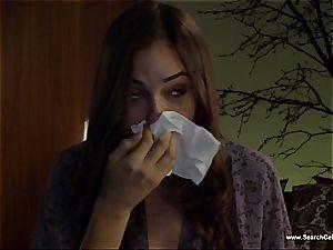 spectacular Sasha Grey bares her diminutive melons