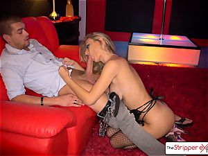 Natalia Starr strip down, fellate and drill a large cock