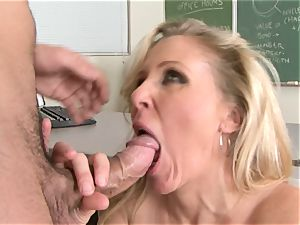 Julia Ann is a hardcore milf who wants to put her cunny on a rock hard weenie
