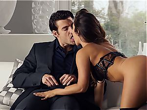 marvelous Eva Lovia is teaching her boyfriend some manners before the party