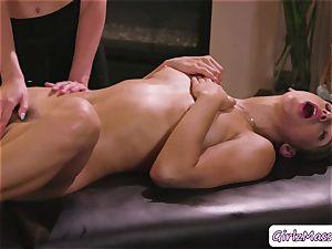 nice Abella Danger gets her labia gobbled by masseuse Haley Reeds